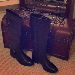 Black Taylor Covington boots